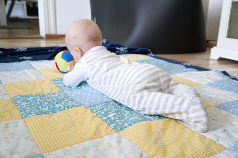 Eine Krabbeldecke/Patchworkdecke fürs Baby nähen